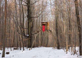 Senza titolo (4), dalla serie Winterhaus, stampa a colori su carta fotografica, 2013